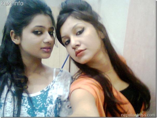 Keki_with_benisha_hamal_side_glance_self_shot