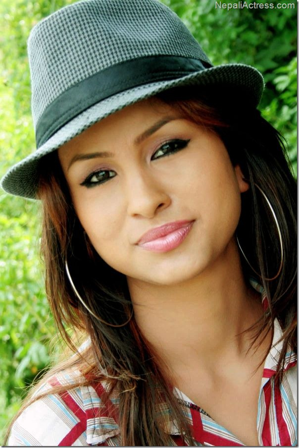 anu shah - closeup4