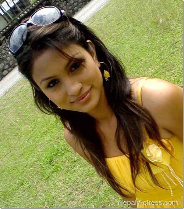 anu shah yellow