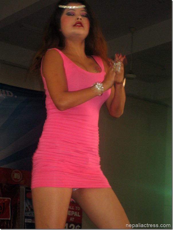susma-Karki_malaysia_dance (1)