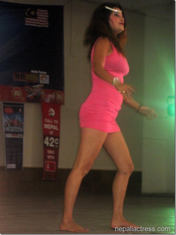 susma-Karki_malaysia_dance (4)