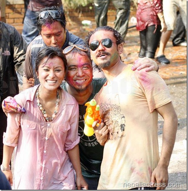 Namrata-Shrestha-holi-2013 artists in attic bar