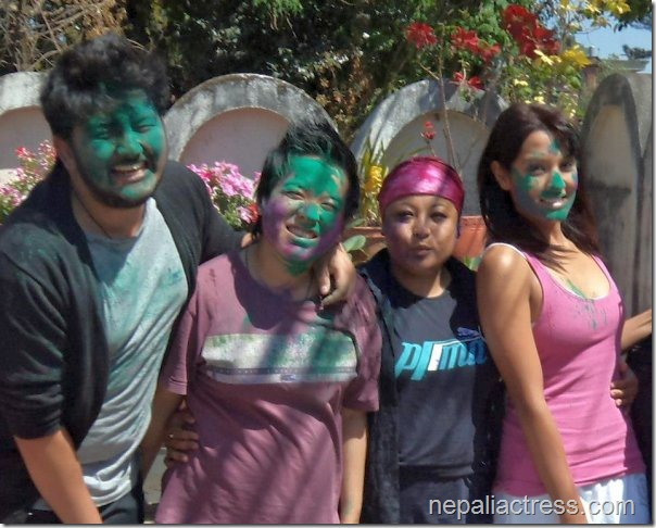 holi 2013 priyanka karki and friends