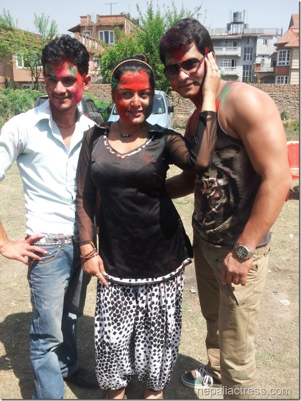 rekha thapa holi 2013 - hamesha team