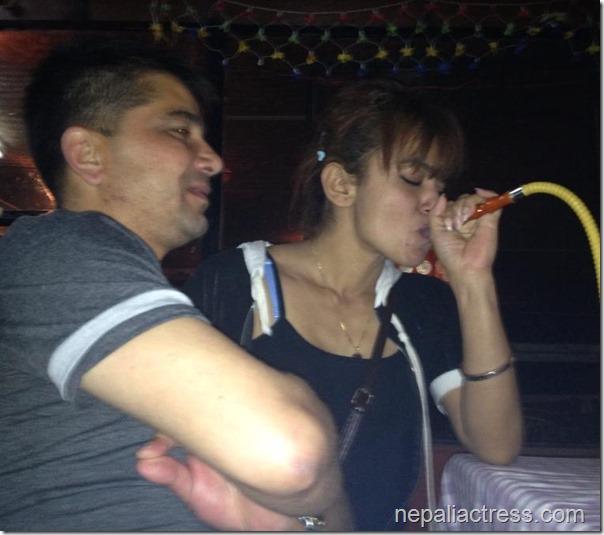 Jharana thapa smoking hukka (4)