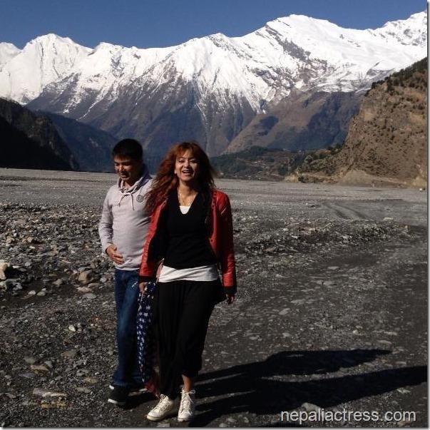 Jharana_Thapa and sunil kuma thapa Mukti Nath trip