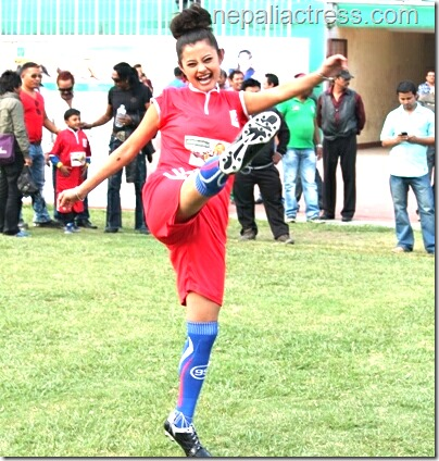 sushma karki warms up