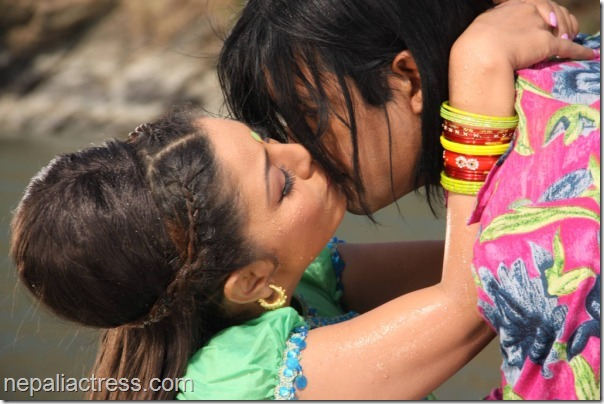 karishma Manandhar kisses rajesh Hamal kina kina