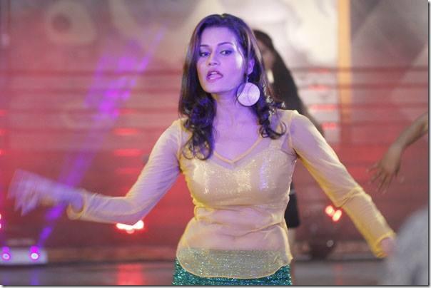 reema bishowkarma item dance in rahadani
