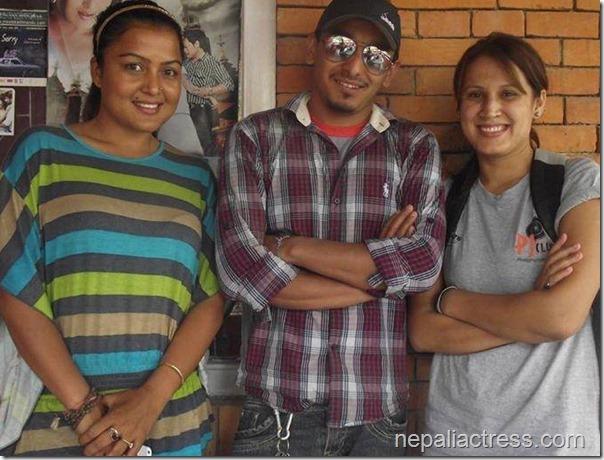 rekha with friends black beauty (2)