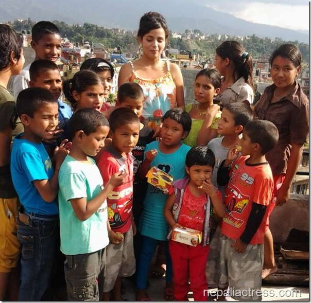 Neeta Dhungana Birthday 2013 (1)