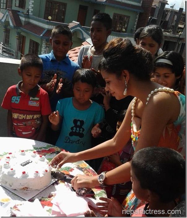 Neeta Dhungana Birthday 2013 (2)