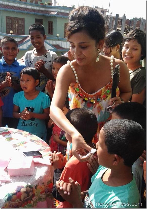 Neeta Dhungana Birthday 2013 (3)