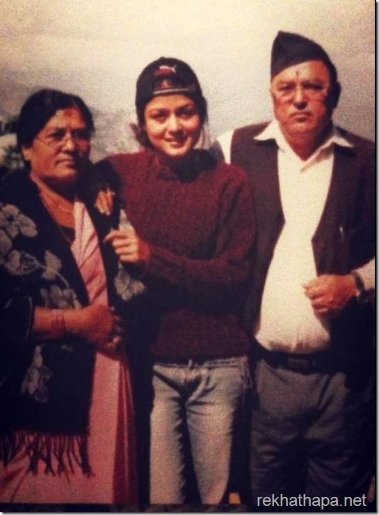 rekha-thapa-with-parents