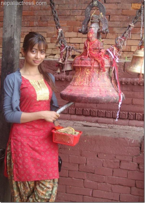 binita baral in temple