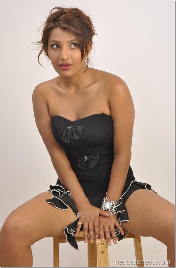 sumina ghimire hot pose