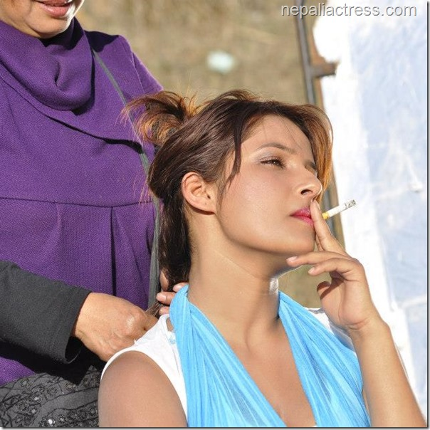 sumina ghimire smoking while being groomed