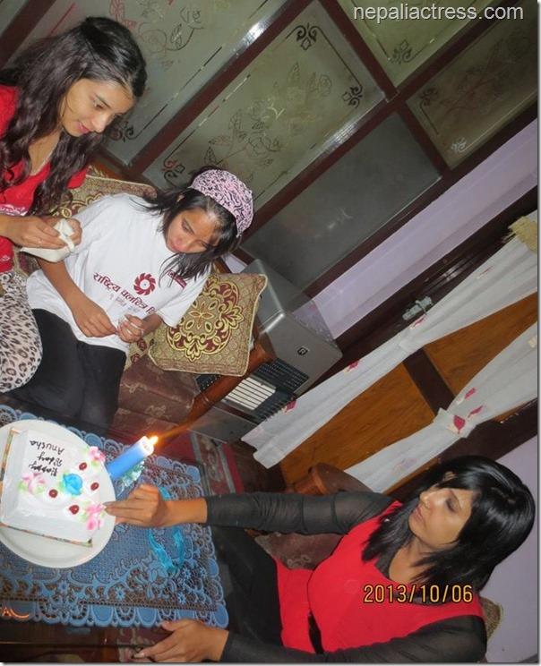 suvekhsya thapa daughter anusha birthday (5)