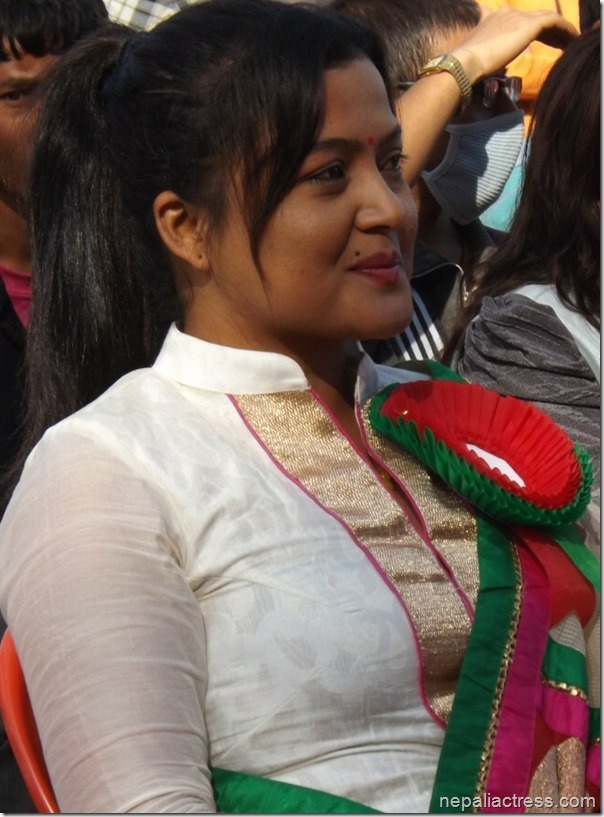 rekha thapa in election campaign 1