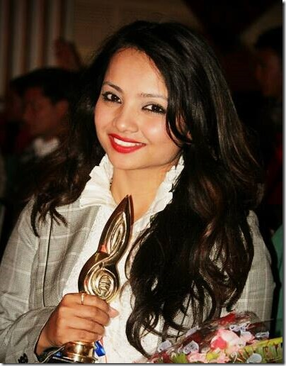 namrata Sapkota with award (2)