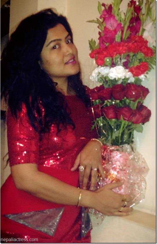 rekha thapa  2014 valentine day rose photo