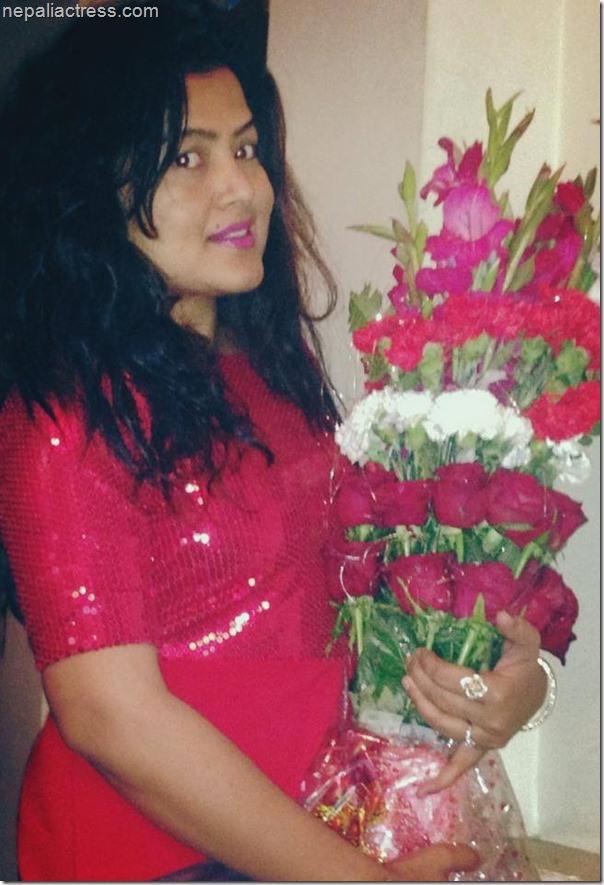 rekha thapa valentine day rose photo