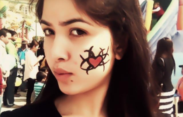pooja sharma face paint