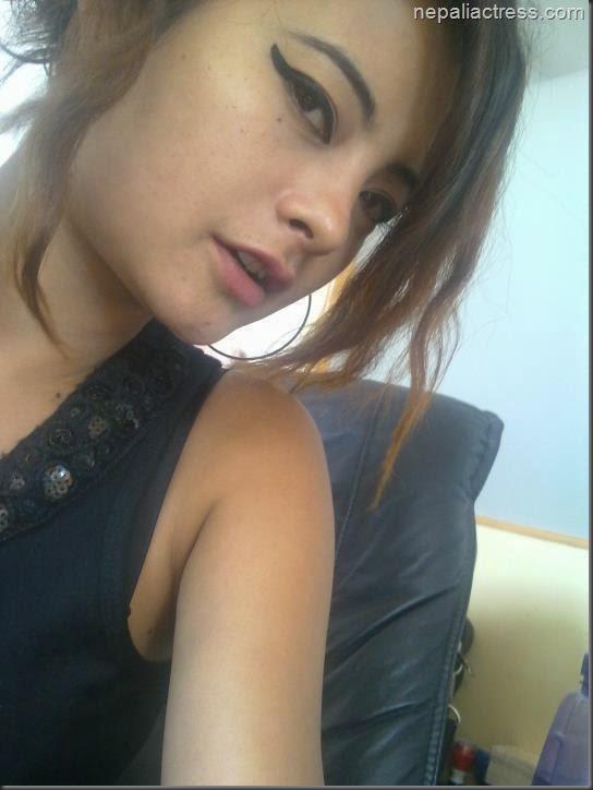 Sushma karki selfie