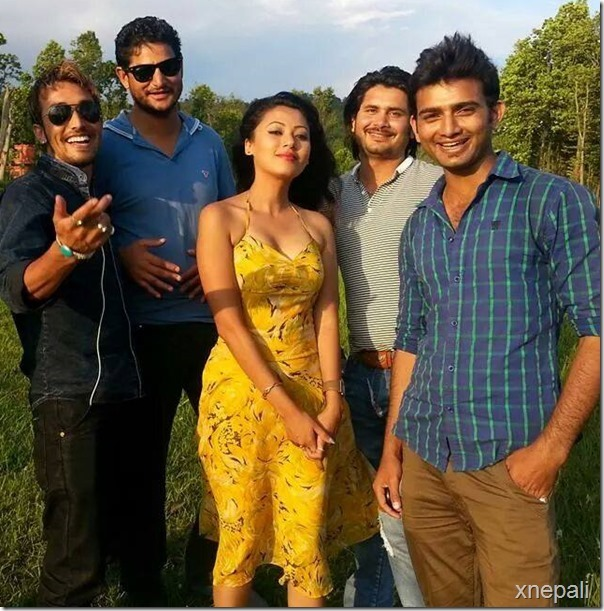 harshika-with-khatarnak-team-