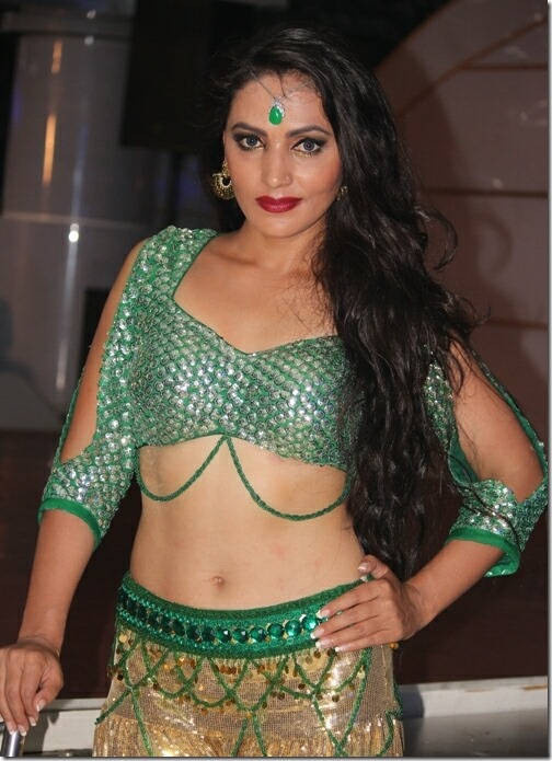 nandita kc sexy looks item dance