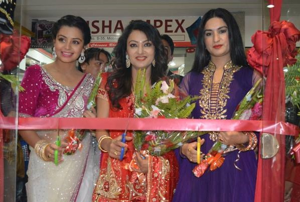 neeta jharana and garima inagurage fashion shop