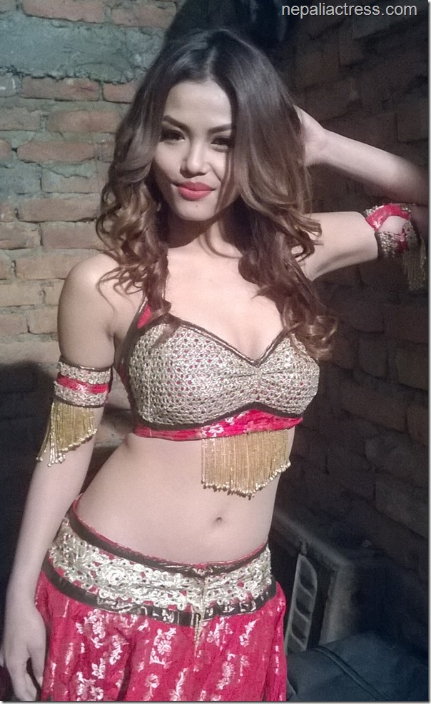 mala limbu hot photos (5)