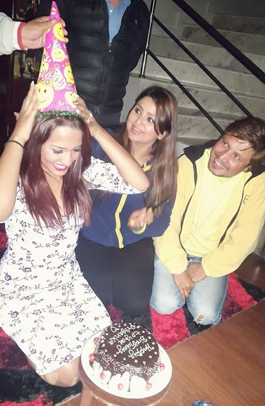priyanka karki surprise birthday cake