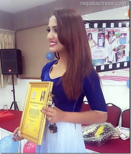 priyanka karki award filmykhabar (1)