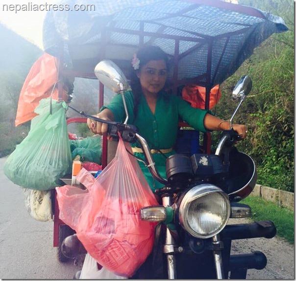 rekha thapa with real rampyari (3)