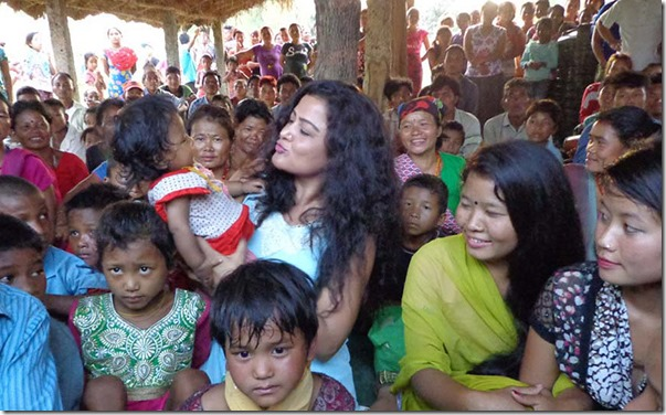 rekha with chepang kids in chitwan (3)