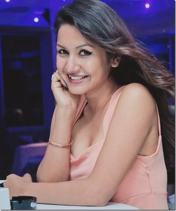 benisha hamal smile