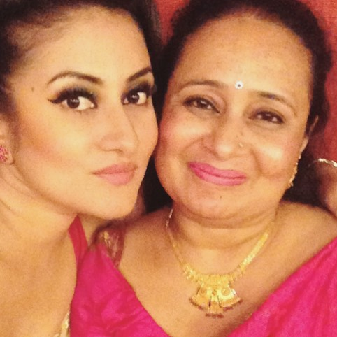 ashma dc with her mother