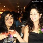 karishma-with-her-daughter-cheers.jpg