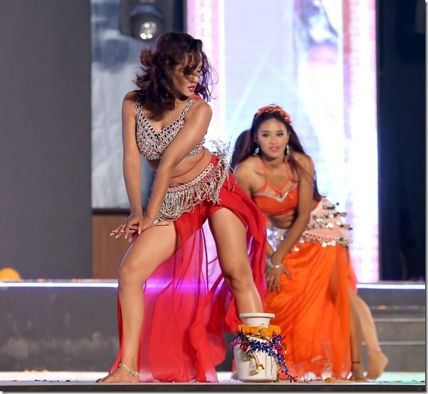 priyanka karki hot dance
