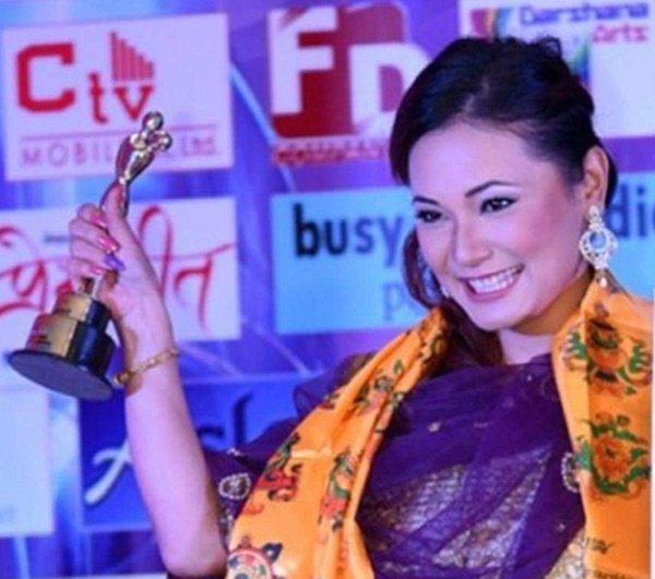 chhulthim-gurung-wins-award