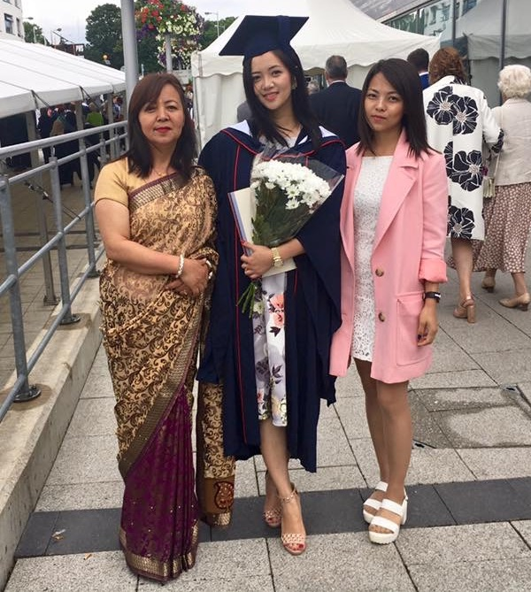 miruna-magar-with-her-mother-and-sister