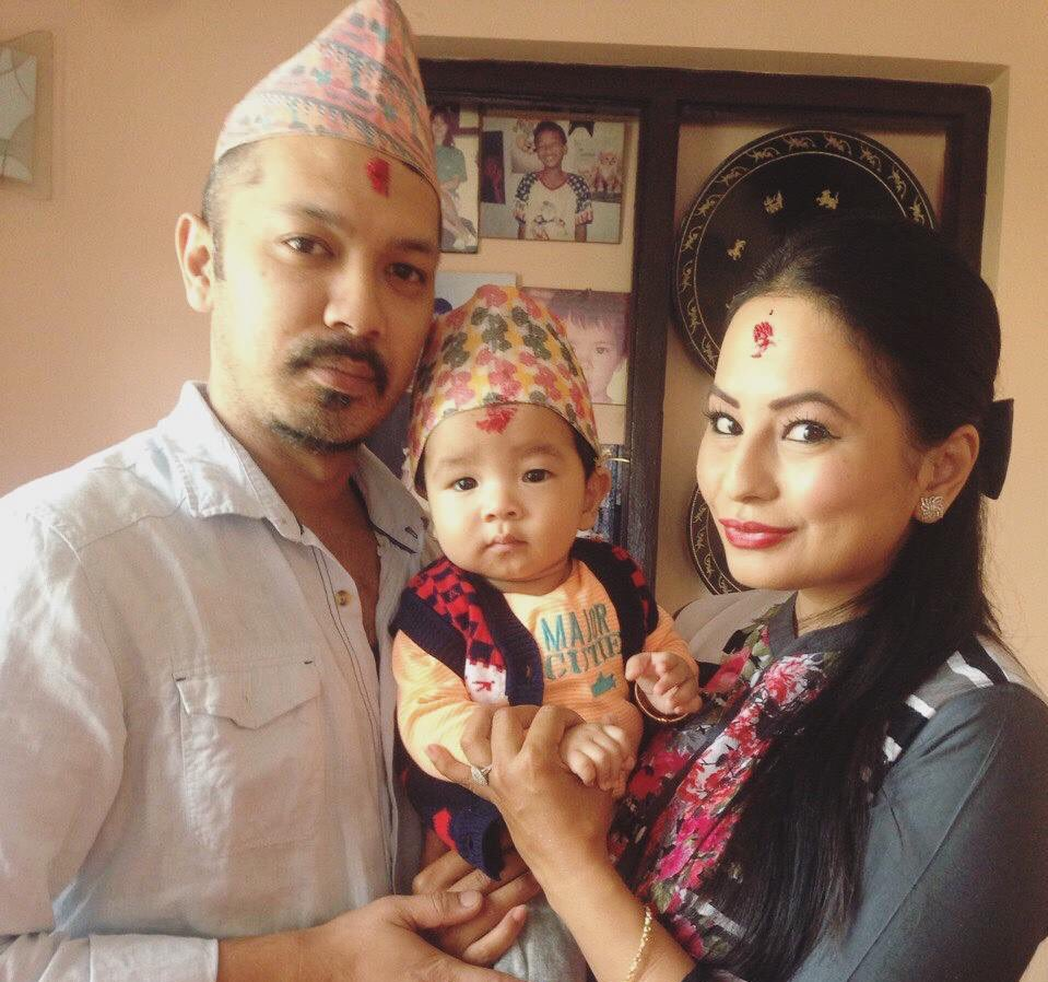 malvika-subba-with-riyaz-and-her-son-zayir