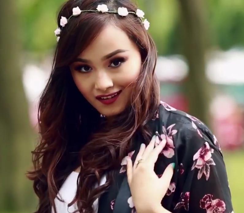 nepali-actress-sara-1