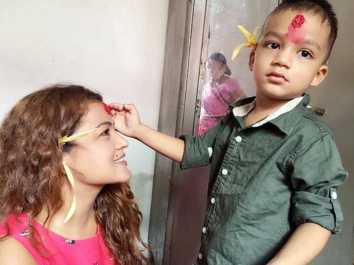 rekha-thapa-dahsain-tika