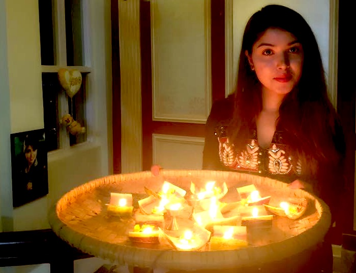 pooja-sharma-with-laxmi-puja-candles